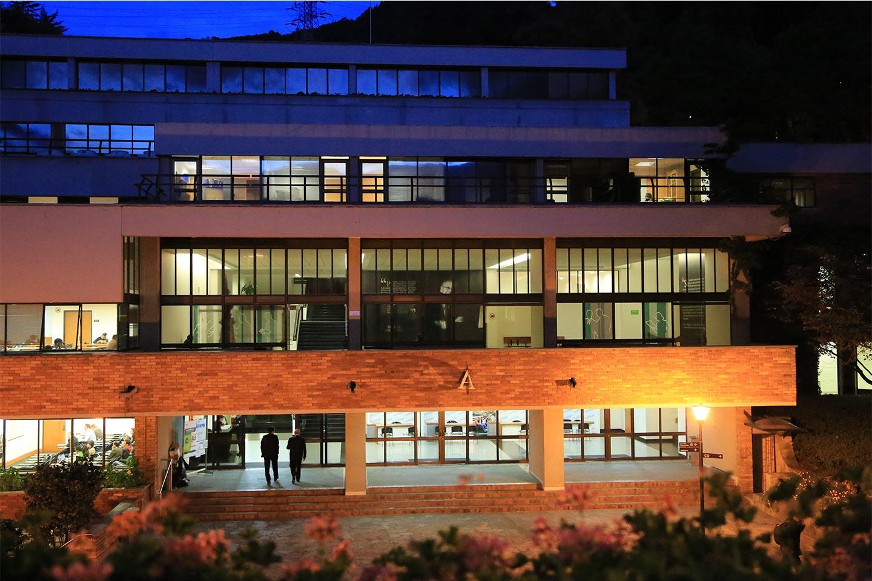 balcon-edificio-A-8025