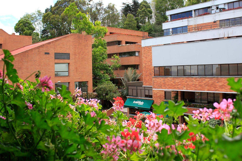 plazoleta--A-jardines-edificio-F-y-G-2181
