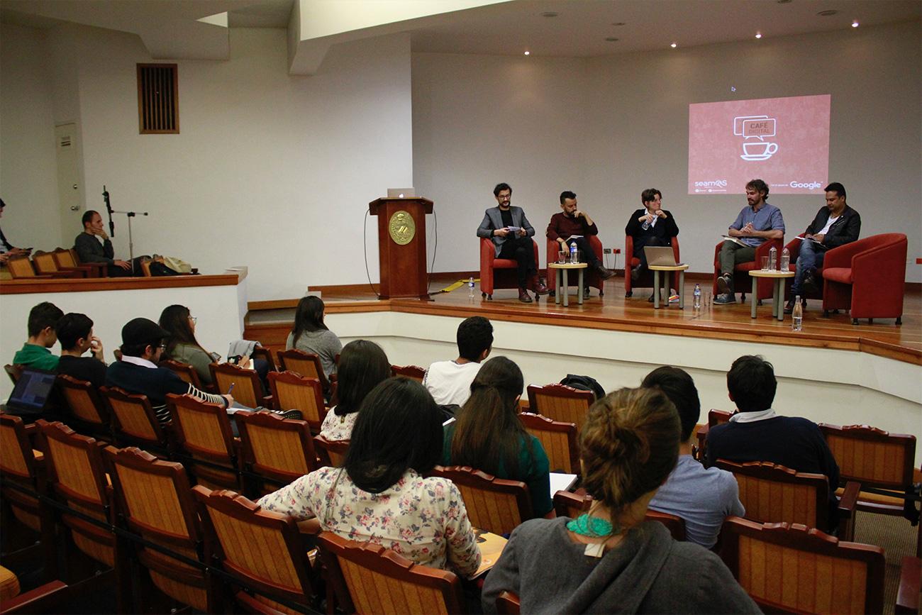 Durante el encuentro se debatió sobre la inclusión política de los ciudadanos desde la red.