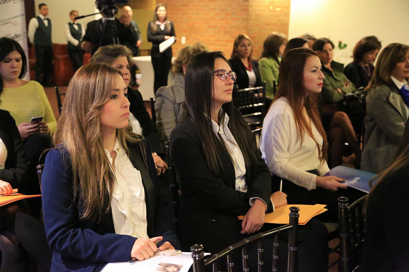 14cuerpo-mujeres-rompiendo-barreras-administracion-empresas