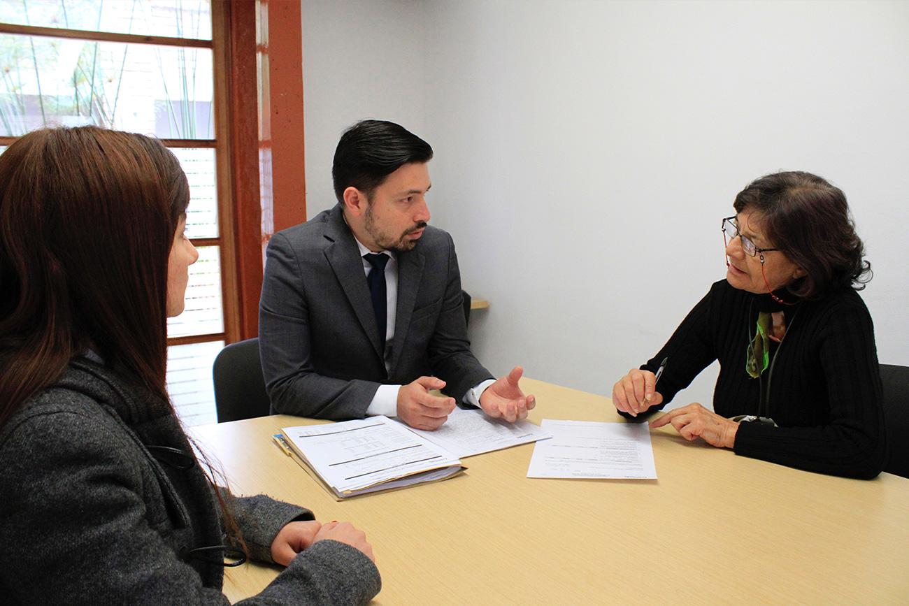 El Centro de Conciliación de la Universidad Externado presta este servicio gratuito.
