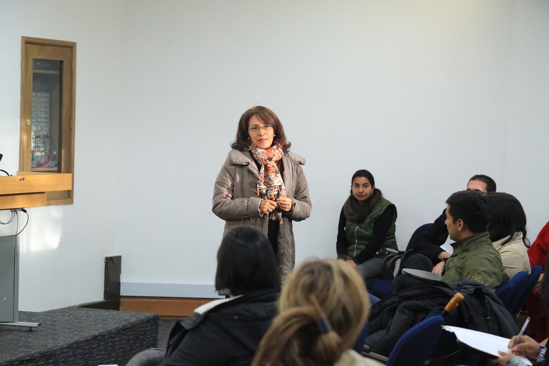 Además, varios profesores de la Facultad se presentaron.