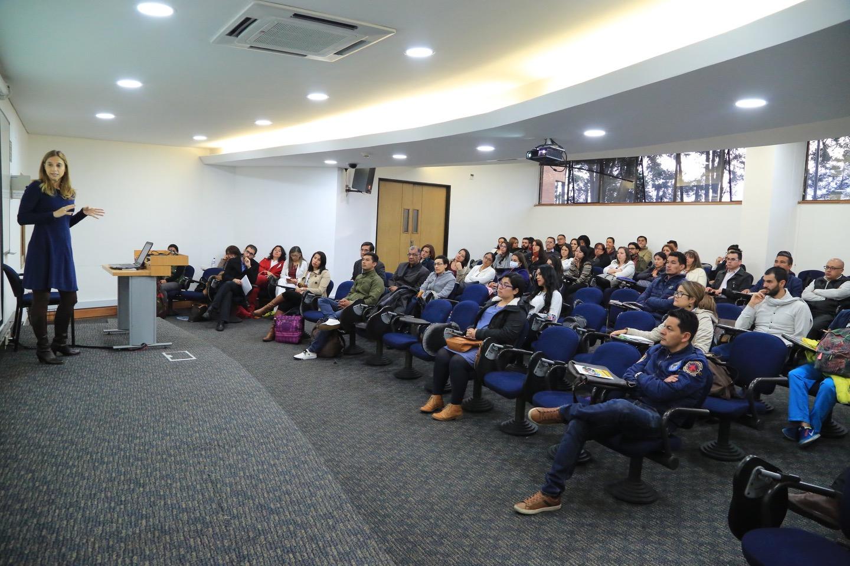 La conferencista fue enfática en que, aparte de transformar culturas y moldear mentes, la educación también se debe hablar en números.
