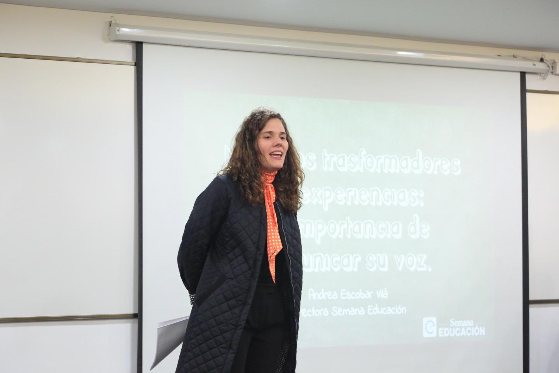 Andrea Escobar cerró la charla incentivando a los docentes a hacerse escuchar.