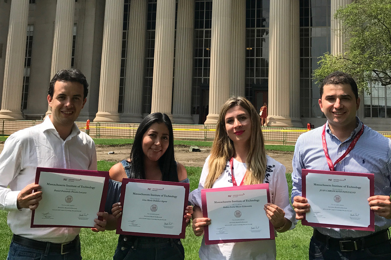 986cd194fb354a Graduate students attend innovation course at MIT - Universidad ...