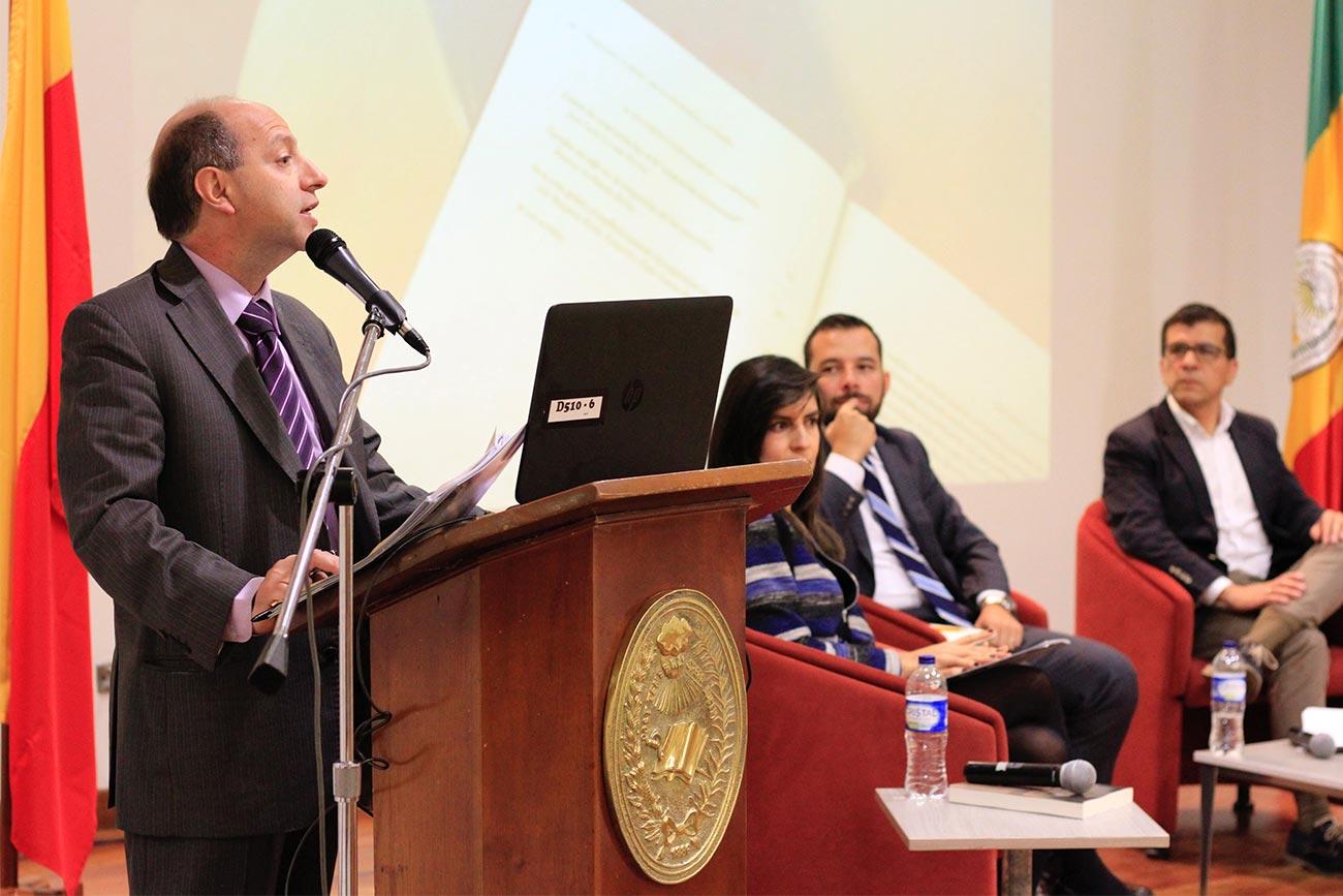 """El libro """"Cooperación y academia: una relación pendiente en Colombia"""" busca contar los desafíos y las oportunidades del país respecto a la cooperación internacional."""