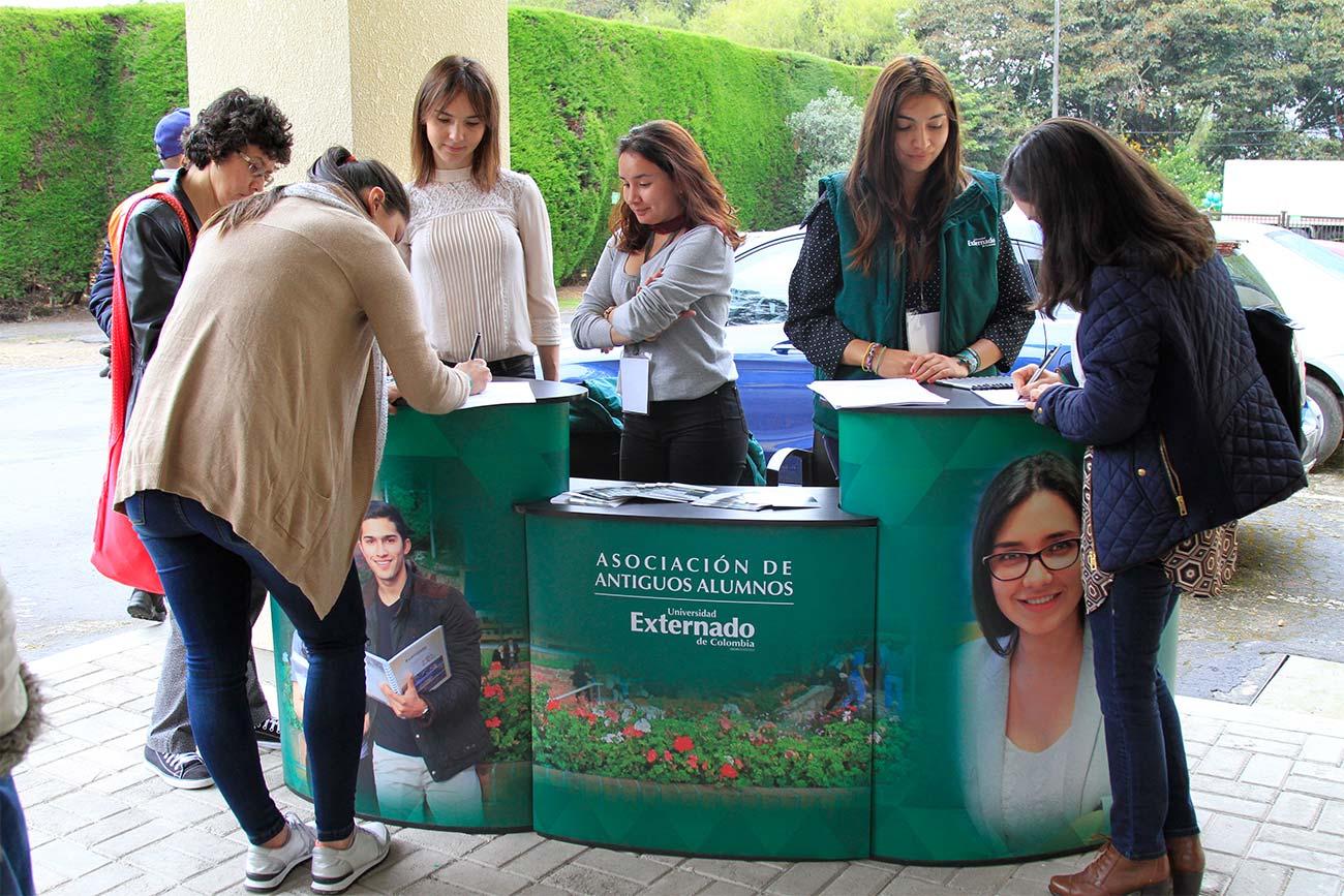 49encuentro-finanzas-egresados