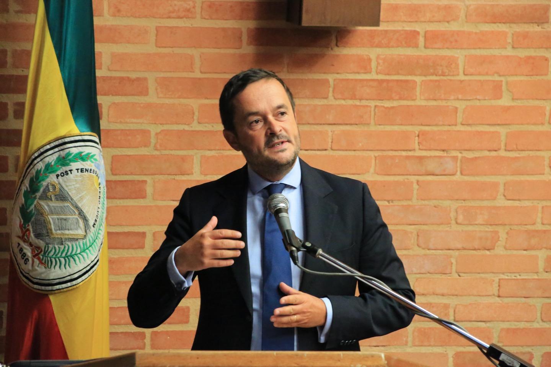 El docente François-Xavier Lucas, de la Universidad de París 1.