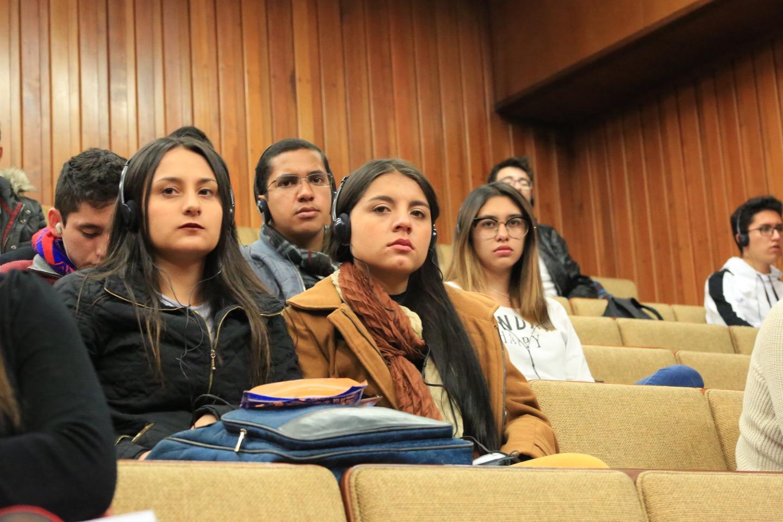 Durante el evento, expusieron importantes juristas franceses y colombianos.
