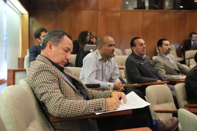 Dentro de ese contexto, el Departamento organizó paneles de discusión moderados por docentes.