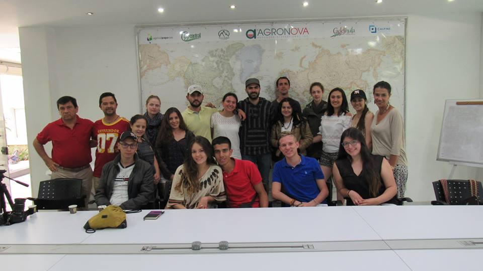 Reunión de los asistentes al Seminario.