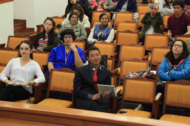 Según el Director Adjunto de Investigación de la Comisión de Felicidad Nacional de Bután, el Gobierno no rechaza el progreso económico, pero tampoco se preocupa por ser un país rico.
