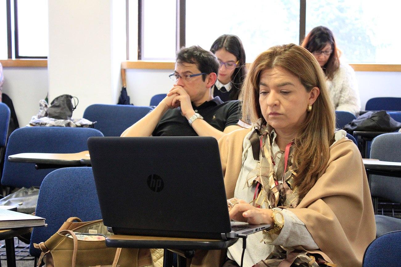 La experiencia de Colombia en los contratos de concesión con grandes obras como las carreteras 4G.