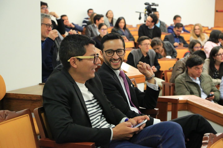 Con respecto al mencionado tema, se llevó a cabo un debate moderado por Ómar Rincón.
