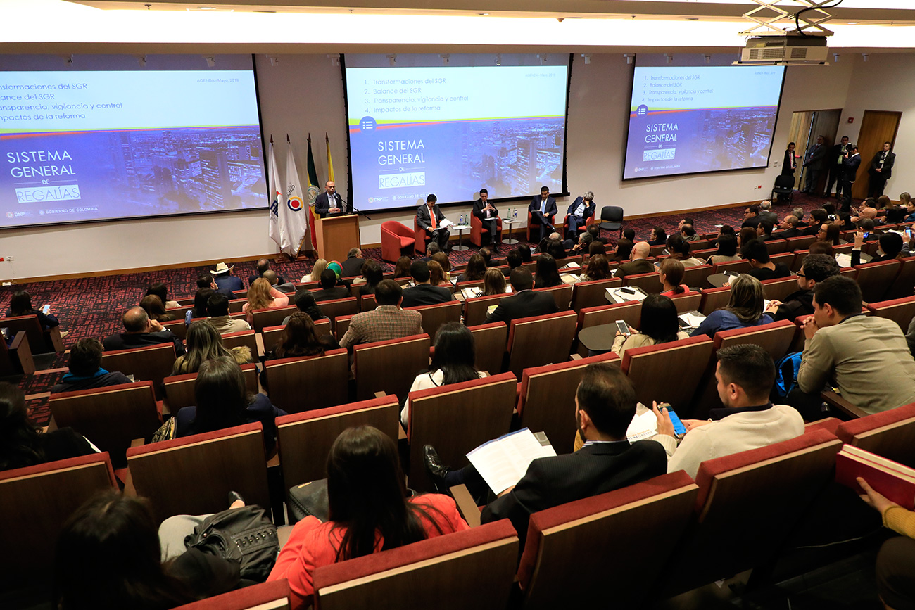 seminario-regalias-economia38