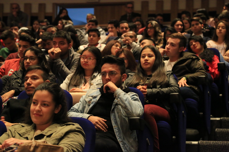 Como es costumbre, este lunes 16 de julio se les dio la bienvenida a los nuevos estudiantes de la Universidad Externado de Colombia, en el auditorio principal.