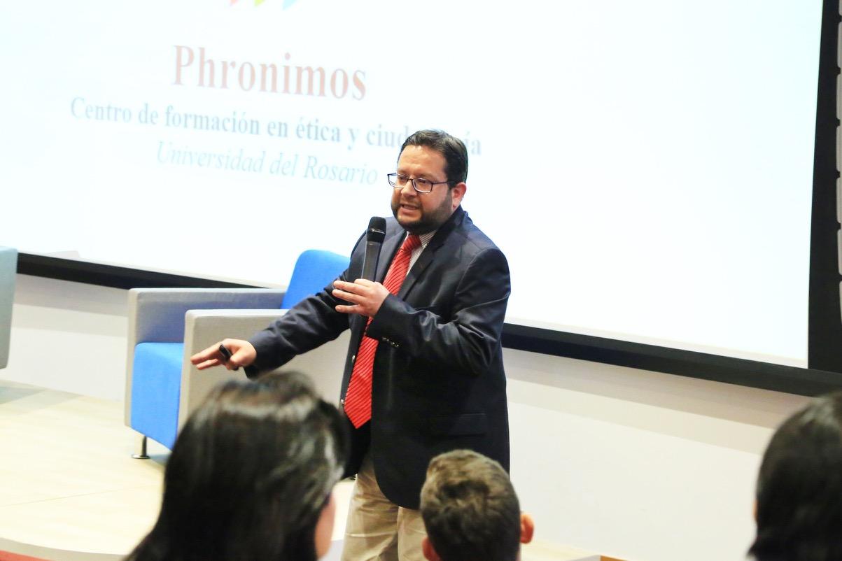 IP7A0482 Carlos Patarroyo