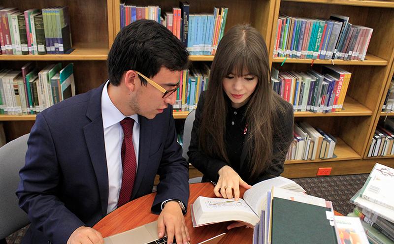 Estudiantes de posgrado de Derecho