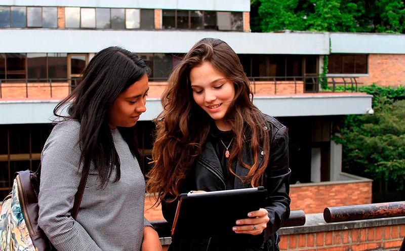 Estudiantes de Facultad de Ciencias Sociales y Humanas