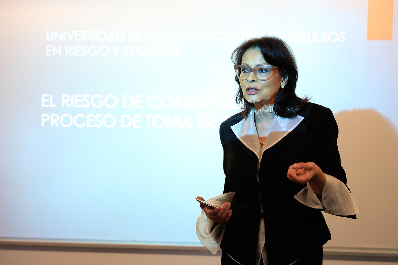 """Tertulia sobre Prevención del Fraude: """"El Riesgo de corrupción en la toma de decisiones"""""""