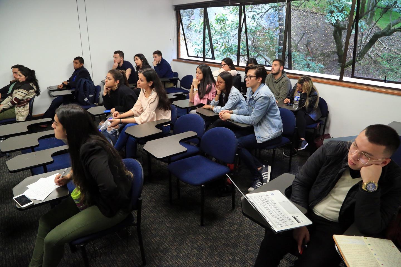 Convocatoria para participar en la red pública de Universidades Aliadas por Acceso a Medicamentos