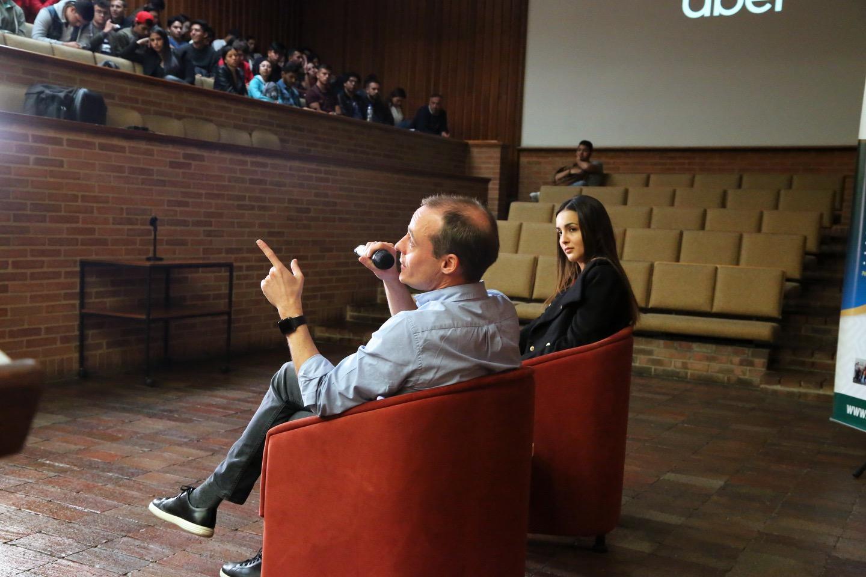 Cómo Uber aporta a la movilidad en Colombia