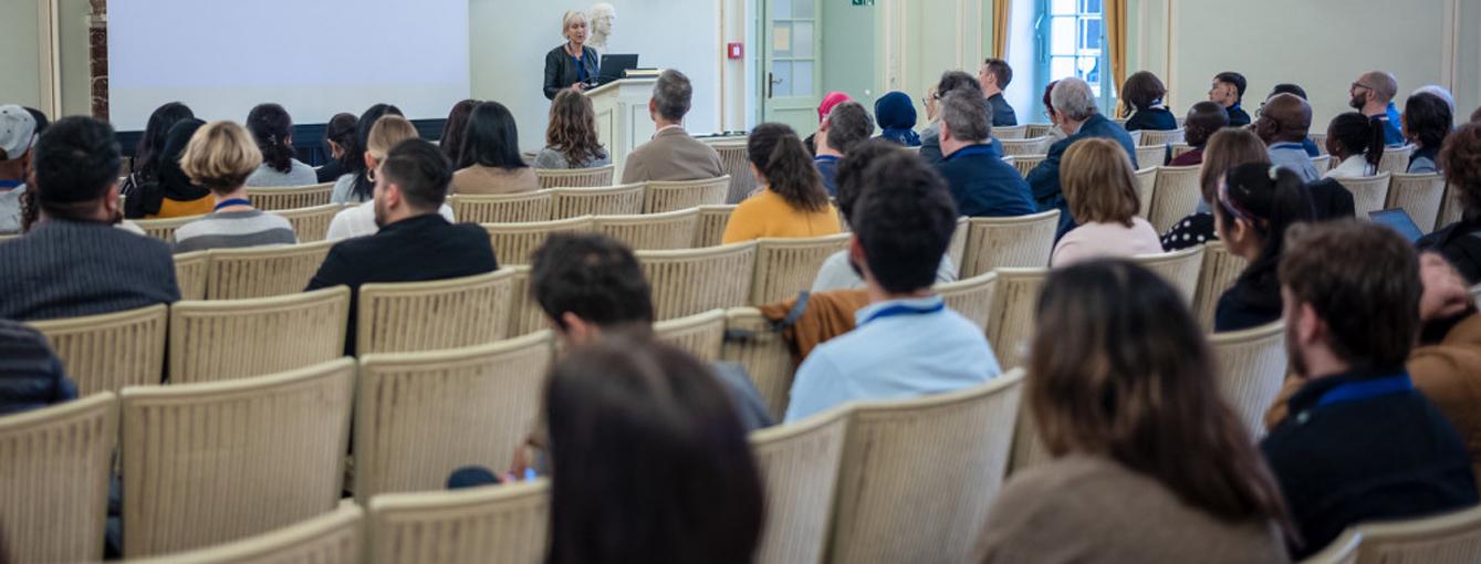 Docente Manuel Salge Ferro, participó como ponente en el IV Congreso Internacional de Estudios sobre Medios de Comunicación