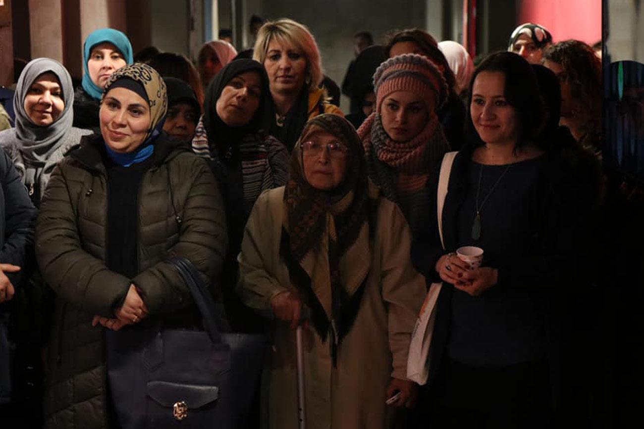 Estudiantes de la Facultad de Comunicación Social – Periodismo participan en exposición fotográfica en Turquía, sobre mujeres refugiadas