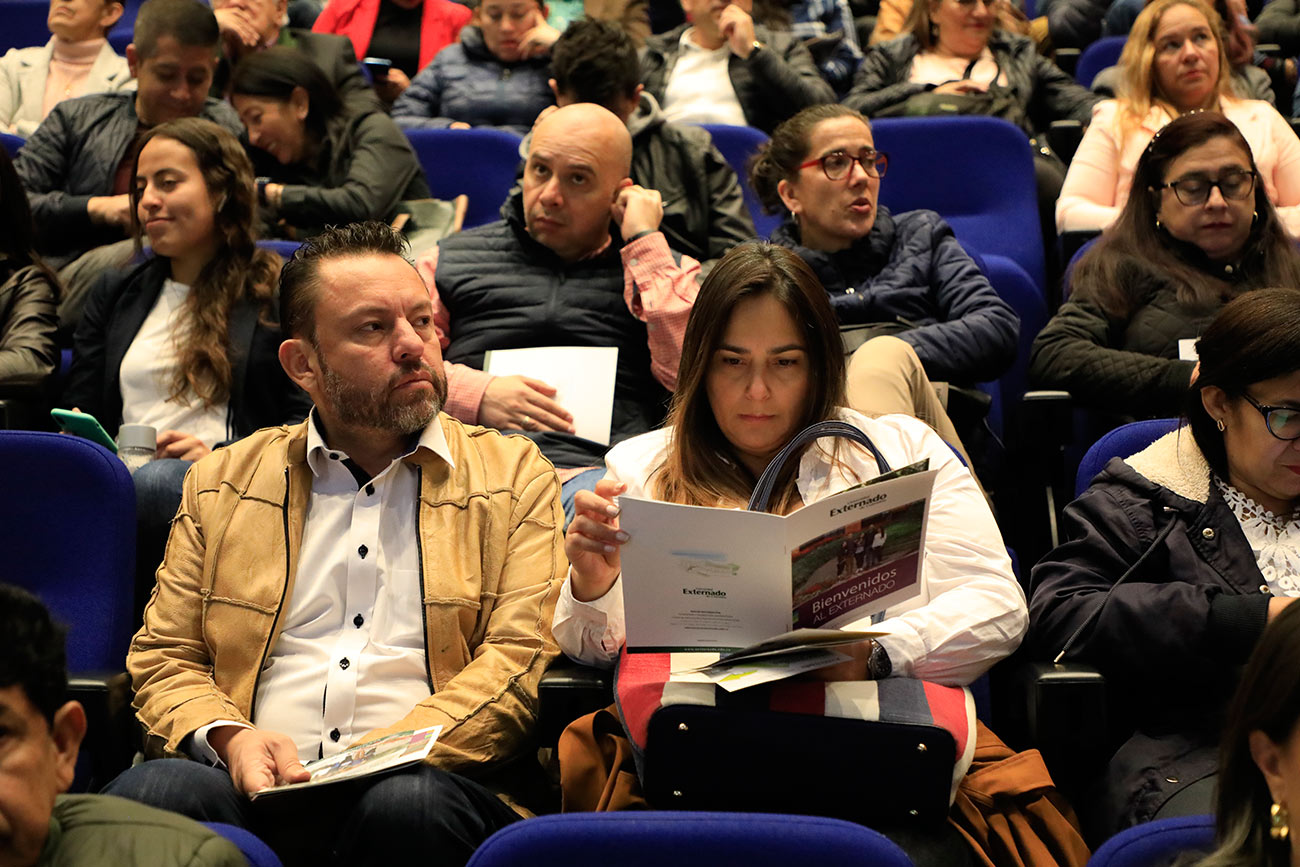 """""""Más que ciudadanos preparados, queremos formar ciudadanos éticos"""": rector Juan Carlos Henao"""